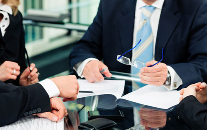 مشاور حقوقی امور قراردادها